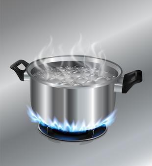 Kochendes wasser des edelstahltopfes