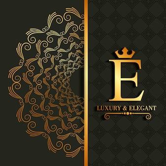 Königliches bild der luxus- und eleganten e-buchstabenrolle