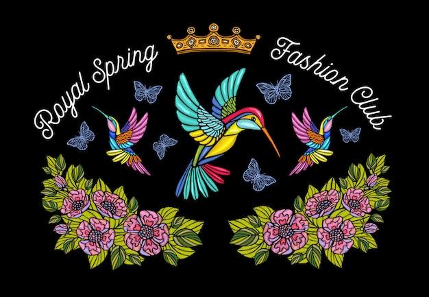 Kolibris schmetterlinge krönen blumen stickerei patch. kolibri-blumenblattflügel insektenstickerei. hand gezeichnete illustration