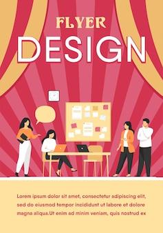 Kollegen arbeiten zusammen an der flachen illustration des projekts. flyer vorlage
