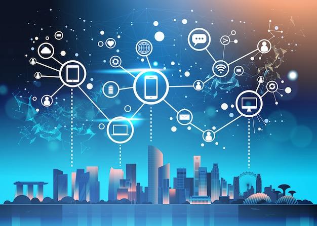 Kommunikation des sozialen netzes über nacht-singapur-illustration mit berühmten marksteinen und wolkenkratzern