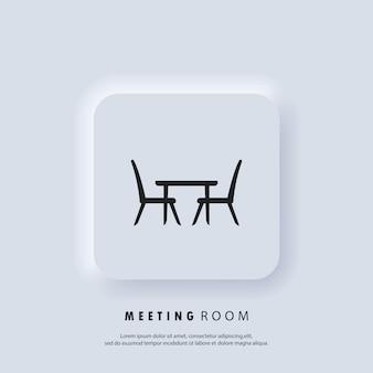 Konferenzraum, flache ikone der tafel. concilium-symbol, geschäftstreffen. schreibtisch, stühle. vektor. ui-symbol. neumorphic ui ux weiße benutzeroberfläche web-schaltfläche.
