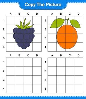 Kopieren sie das bild, kopieren sie das bild von früchten mit gitterlinien. pädagogisches kinderspiel, druckbares arbeitsblatt