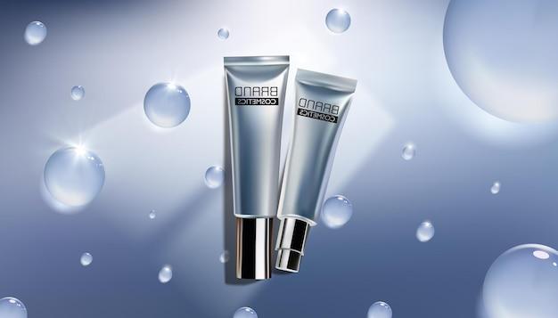 Kosmetische anzeigenvorlage. kosmetische produkte mit wassertropfen auf blau