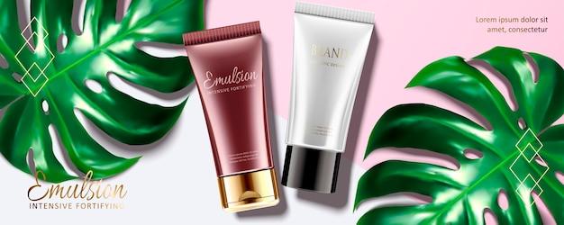 Kosmetische emulsionsröhre mit tropischer blattdekoration auf rosa und weißem hintergrund, draufsicht