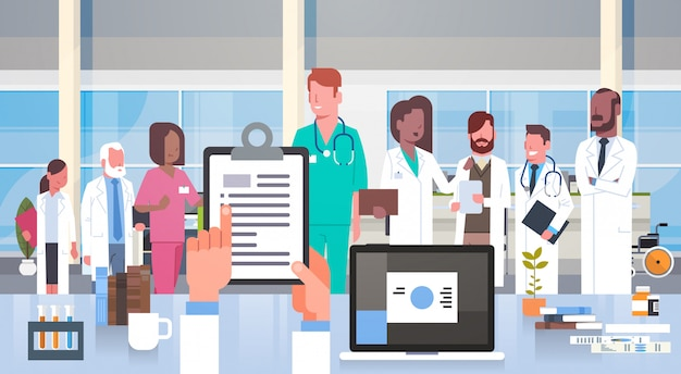 Krankenhaus-medizinische team-gruppe doktoren im modernen klinik-krankenhauspersonal