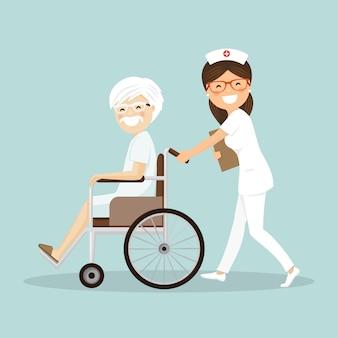 Krankenschwester, die einen patienten in einem rollstuhl drückt