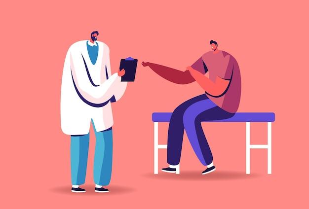 Kranker mann patient sitzt im büro des praktizierenden vor dem arzt und schreibt in die zwischenablage. bereiten sie die hand für die injektion vor