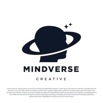 Kreatives geist-universum-logo-design kopf- und saturnringplanet mit sternsymbol