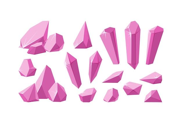 Kristalle und rosa edelsteine set aus rubinkristallprismen und stücken mit funkelnden facetten