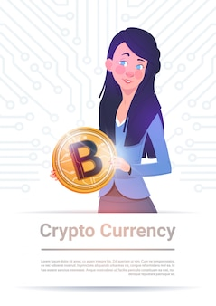 Krypto-währungsfahnen-frau, die goldenes bitcoin über motherboard-stromkreis-hintergrund-digital-netz hält