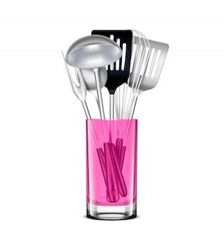 Küchenwerkzeuge aus rostfreiem stahl in pink transparentem glas realistisch mit gekerbtem schöpflöffel-spatel