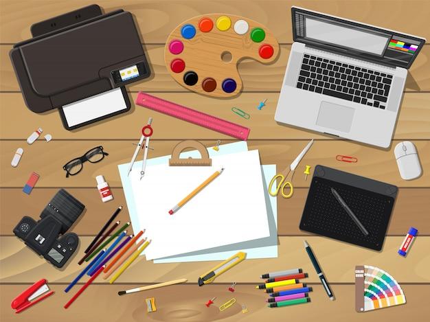 Künstler- oder designerarbeitsplatz.
