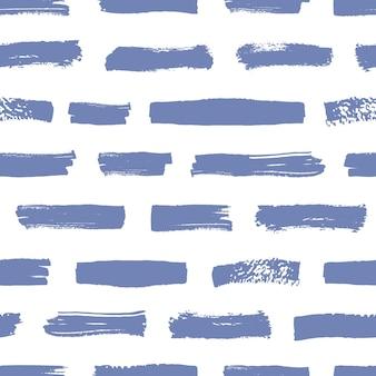 Künstlerisches nahtloses muster mit blauen pinselstrichen auf weißem hintergrund. abstrakter hintergrund mit horizontalen farbspuren oder abstrichen. vektor-illustration im grunge-stil für packpapier, stoffdruck.