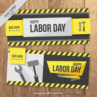 Labor day banner mit schraubenschlüssel und hammer