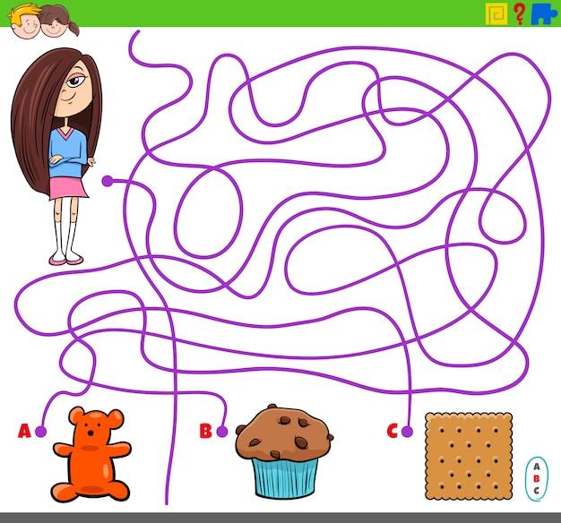 Labyrinthspiel mit gegenständen des mädchens und des süßen lebensmittels