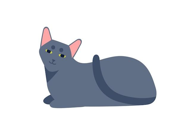 Lächelnde cartoon russische blaue katze züchten flache vektorgrafik. sorgloses süßes haustier, das isoliert auf weißem hintergrund liegt. lustiges graues vollbluthaustier, das sich entspannt.