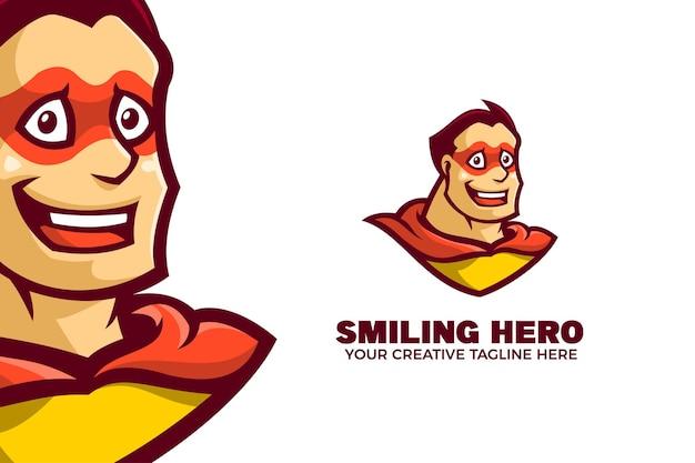 Lächelnde superhelden-karikatur-maskottchen-logo-vorlage