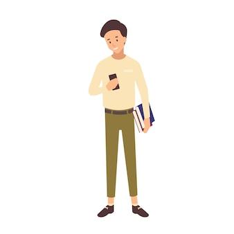 Lächelnder teenager-schuljunge mit kurzen haaren, die lehrbücher und smartphone halten. porträt des männlichen universitäts- oder hochschulstudenten lokalisiert auf weißem hintergrund. bunte vektorillustration im flachen stil.