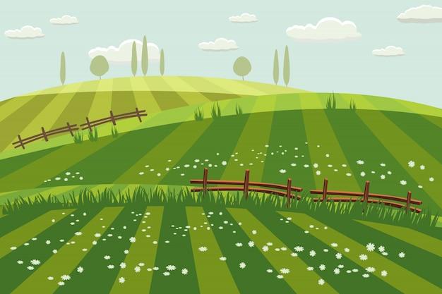 Ländliche landschaft, frühling, grüne wiesen, felder, wildblumen, hügel, bäume am horizont, zaun