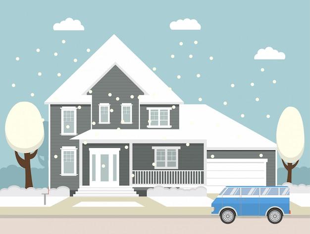 Ländliches häuschen des fallenden schnees der winterlandschaft mit einer garage und einem minivan.