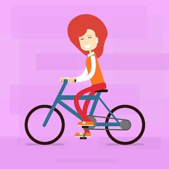 Lässig frau fahrt fahrrad