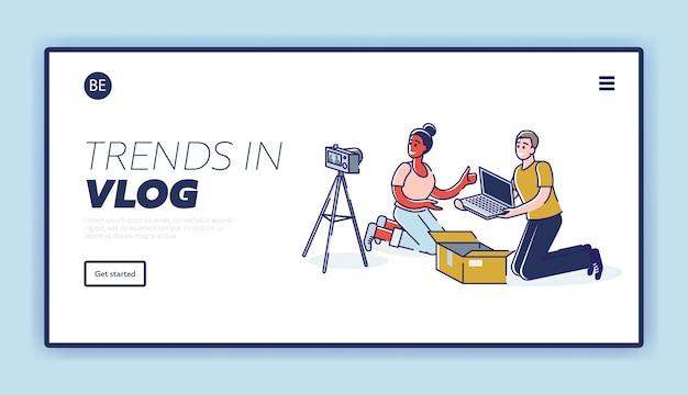 Landing page mit ein paar bloggern, die unboxing-videos filmen und einen neuen laptop überprüfen