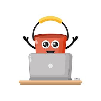 Laptop-eimer niedliches charakter-maskottchen