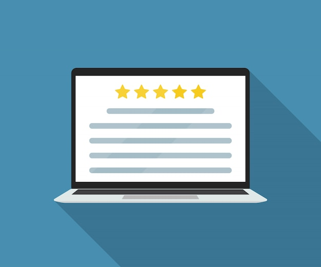 Laptop mit online-kundenbewertung in einer wohnung.