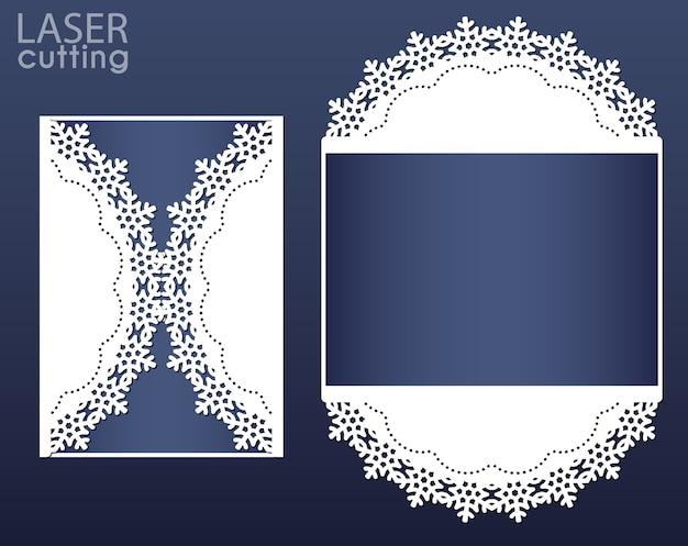 Lasergeschnittene einladungskartenschablone. ausschnitt papier tor faltkarte mit schneeflocken muster Premium Vektoren