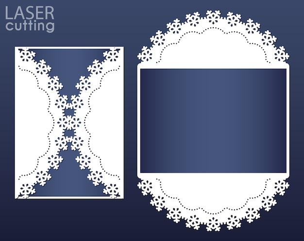 Lasergeschnittene einladungskartenschablone. ausschnitt papier tor faltkarte mit schneeflocken muster