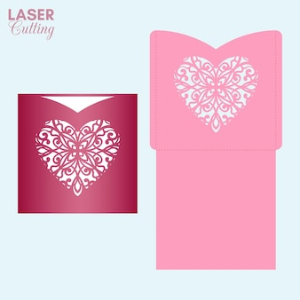 Lasergeschnittener taschenumschlag mit gemustertem herzen. valentinskartenvorlage zum schneiden.