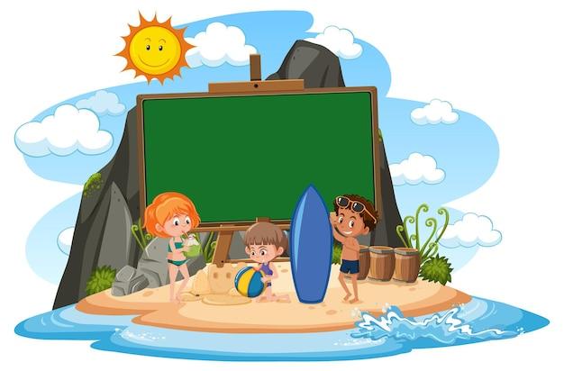 Leere bannervorlage mit kindercharakter im sommerurlaub am strand auf weißem hintergrund
