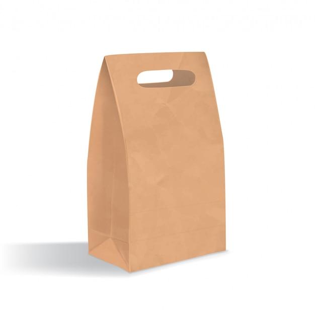 Leere braune papiertüte mit grifflöchern. realistisches dreieckiges kraftpaket mit schatten lokalisiert auf weißem hintergrund. designvorlage.