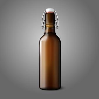 Leere braune realistische retro-bierflasche lokalisiert auf grauem hintergrund