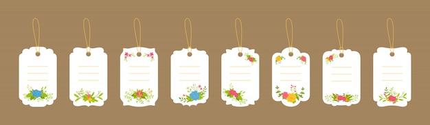 Leere etikettenschablone hochzeitsset. preis weiße tags aufkleber. verzierte blumenzusammensetzung, blumenzweig und blatt. verschiedene dekorative bunte flache karikaturrahmenpapiersammlung. illustration