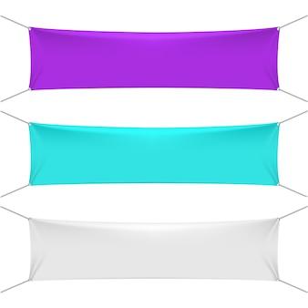 Leere farbtextilhorizontale fahnen mit kopienraum