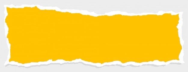 Leere gelbe zerrissene papierfahne mit textraum