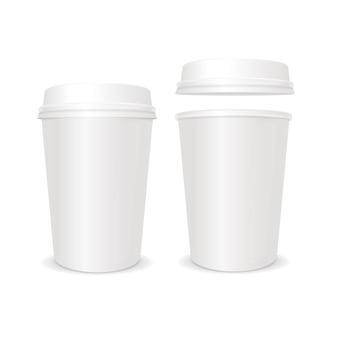 Leere kaffeepapiertasse mit geschlossenem deckel. für das geschäft