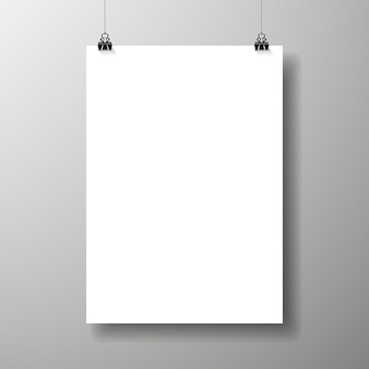 Leere plakate hingen mit schatten. papier an die bindungen hängen. a4 papierseite, layout, blatt an der wand