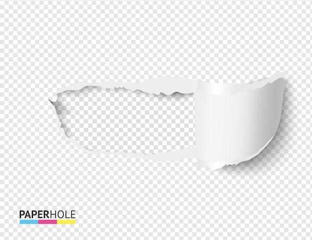 Leere realistische zerrissene papierrolle und loch auf transparentem hintergrund