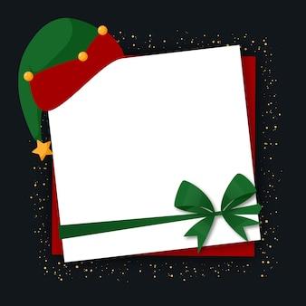 Leere weihnachtspostkarte mit santa's helpers hut