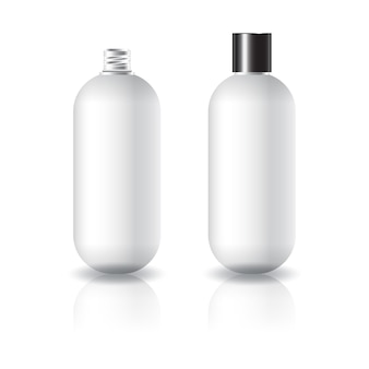 Leere weiße ovale runde kosmetische flasche mit schwarzem normalem schraubdeckel.