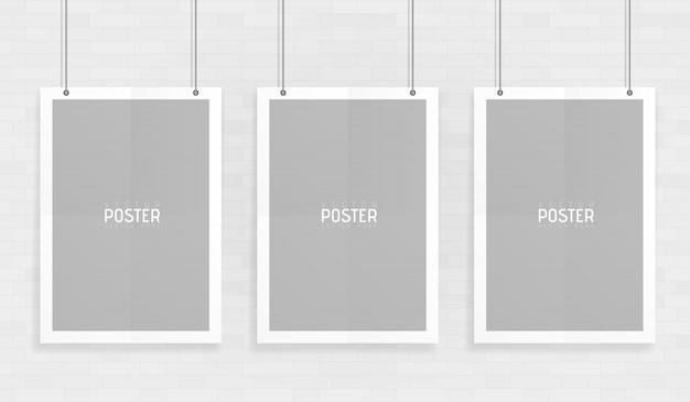 Leeren sie das drei weiße a4 sortierte vektorpapiermodell, das mit büroklammern hängt. zeigen sie ihre flyer, broschüren, überschriften usw. mit diesem hochdetaillierten realistischen gestaltungselement