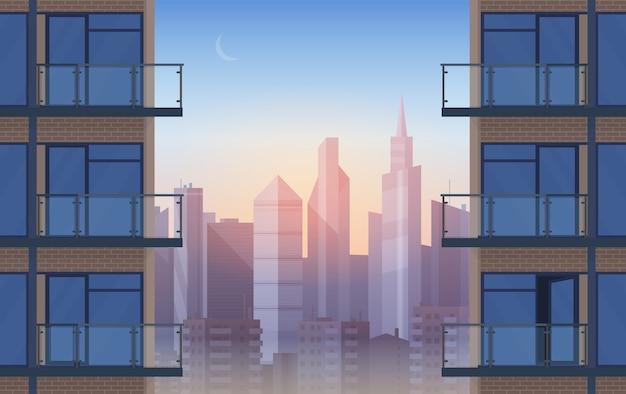 Leerer balkon der wohnung im modernen haus im sonnenuntergang