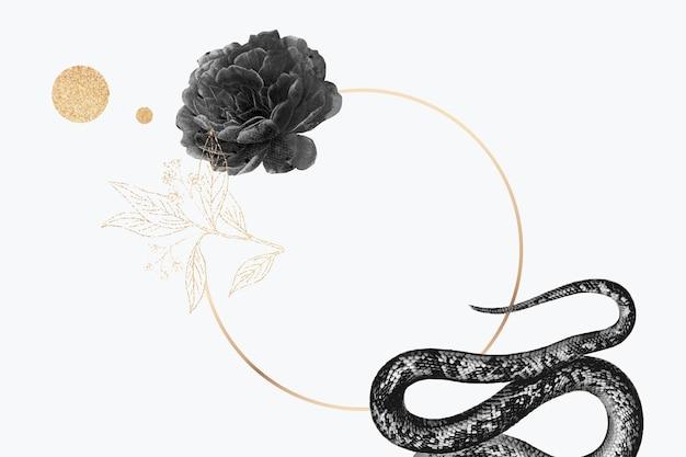 Leerer goldener rahmen mit einer schlange