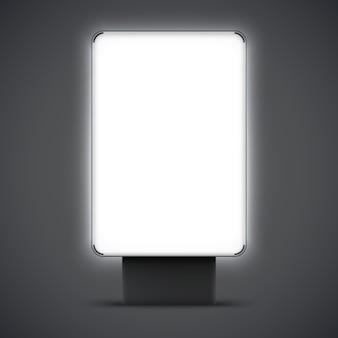 Leerer leuchtkasten im freien lokalisiert. stadt lightbox mit schwarzem und silbernem rahmen. vektor-illustration