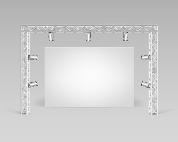 Leeres leeres weißes plakatbild, das auf boden mit scheinwerferbeleuchtungs-vorderansicht steht