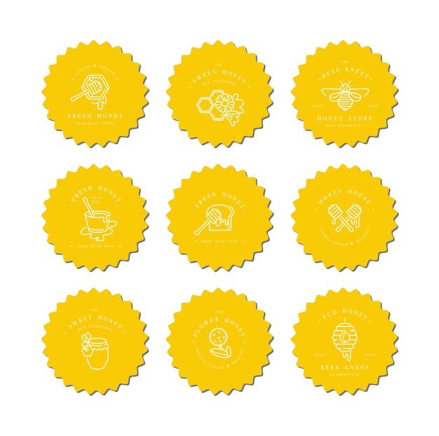 Legen sie abbildungslogos und designvorlagen oder -abzeichen fest. bio- und öko-honigetiketten und etiketten mit bienen. linearer stil.