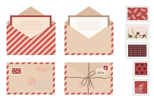 Legen sie kraft briefumschlag brief und postkarten. isolierte offene umschläge mit stempeln und siegeln